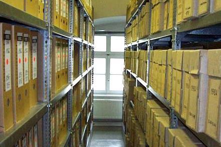 Aktenregale im Stasi-Unterlagen-Archiv Erfurt