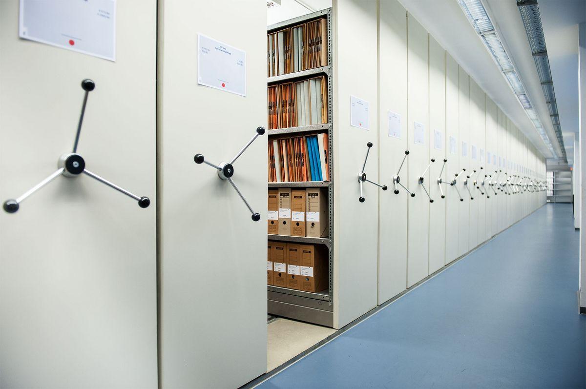 Blick in das Magazin des Stasi-Unterlagen-Archivs Gera