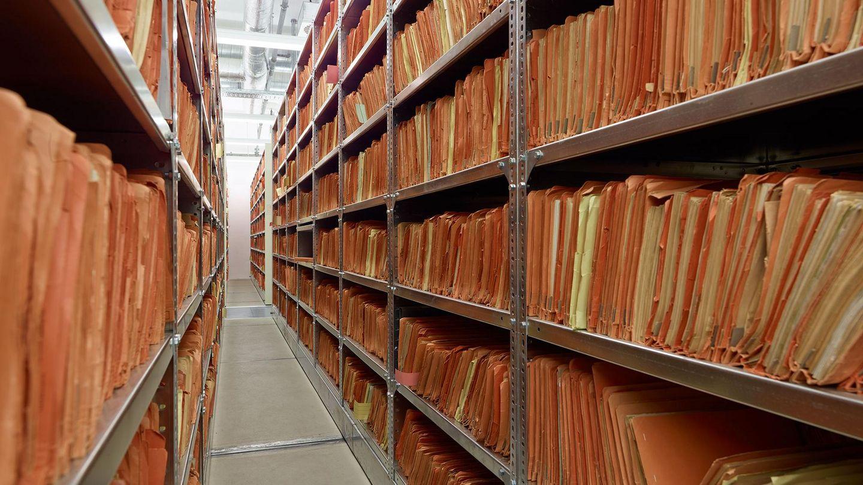 Regale im Stasi-Unterlagen-Archiv in Berlin, Quelle:                 BStU