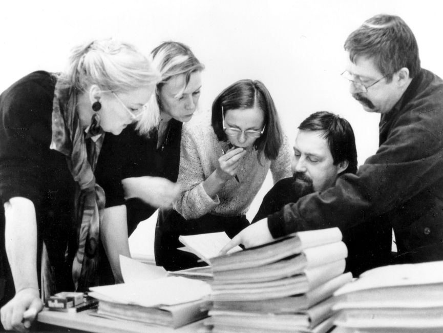 Eva-Maria Hagen, Pamela Biermann, Katja Havemann, Jürgen Fuchs und Wolf Biermann während der ersten Akteneinsicht im Januar 1992.