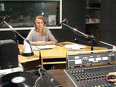 'Radio Glasnost' wurde vom alternativen Westberliner Radiosender 'Radio 100' ausgestrahlt.