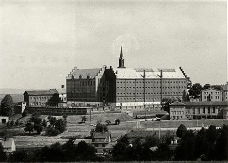 Strafvollzugsanstalt Hoheneck, Südflügel (Außenansicht)