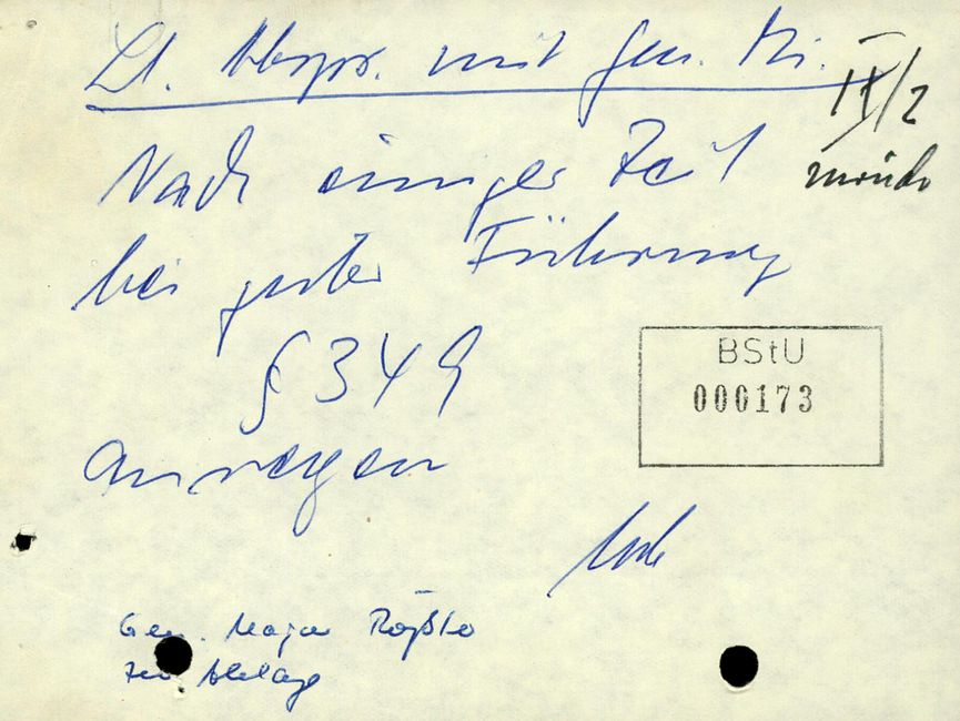 IX/2 zurück  [unterstrichen: Lt. Abspr. mit Gen. Mi.] Nach einiger Zeit bei guter Führung § 349 anregen [Kürzel unleserlich]  Gen. Major Rößler Zen. Ablage