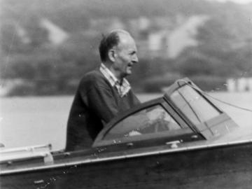 Robert Havemann in seinem Motorboot
