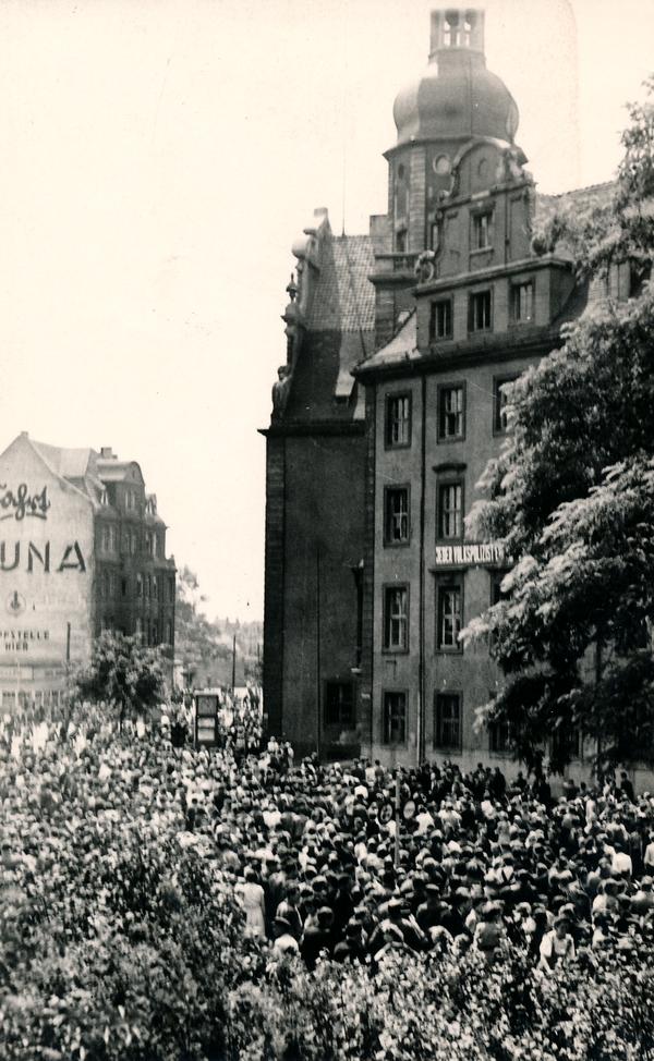 Demonstranten in Magdeburg-Sudenburg
