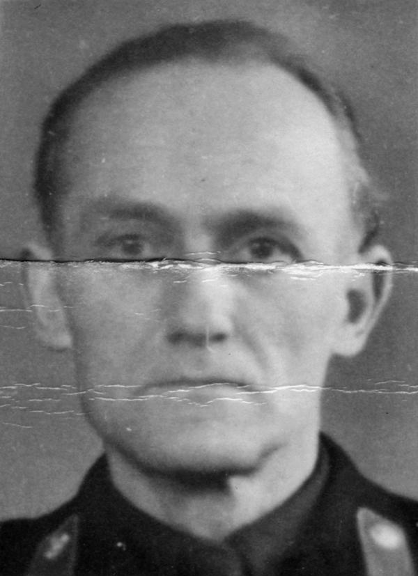 Foto von Wilhelm Müller von seiner Kaderkarteikarte.