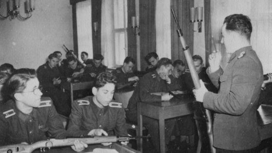Stasi-Offiziere in der MfS-Hochschule im Jahr 1957