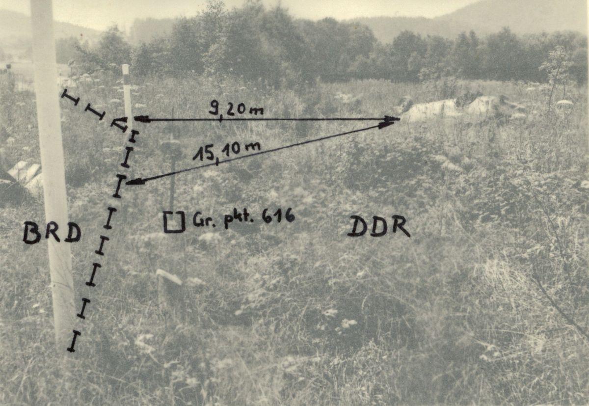 Übersicht mit der Lage des Pkw aus der BRD auf dem Territorium der DDR.