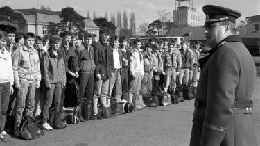 Rekruten des MfS-Wachregiments in der Kaserne in Berlin-Adlershof