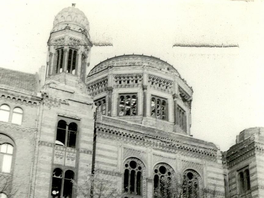 Teilansicht der Neuen Synagoge in Berlin