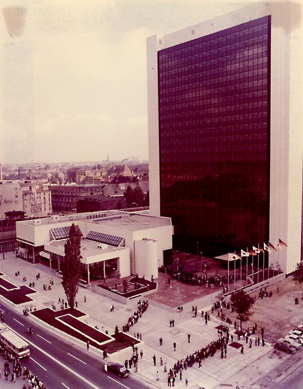 Blick auf das Internationale Handelszentrum in Berlin