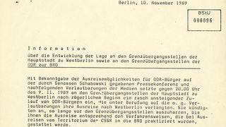Information über die Lage an der Grenze in Ost-Berlin am Abend des Mauerfalls