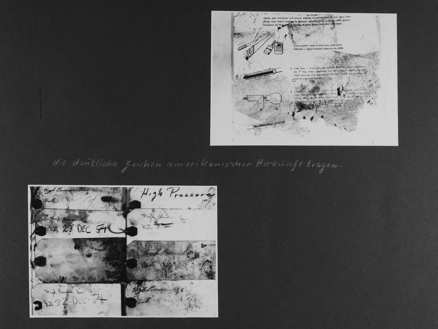 [Bild 1: Abfotografierte Montageanleitung eines Kondenswasserschutzmantels in Englischer Sprache, auf der linken Seite sind vier Grafiken zur besseren Verständlichkeit. Es sind starke Verbrauchsspuren zu sehen, die Ecke unten rechts ist stark ausgerissen.]  [handschriftliche Ergänzung: die deutliche Zeichen amerikanischer Herkunft tragen.  [Bild 2: Acht Etiketten wurden dicht aufgereiht. Sie alle sind handschriftlich in Englischer Sprache beschrieben, viele auch mit einem Datum im Dezember 1954 versehen.]