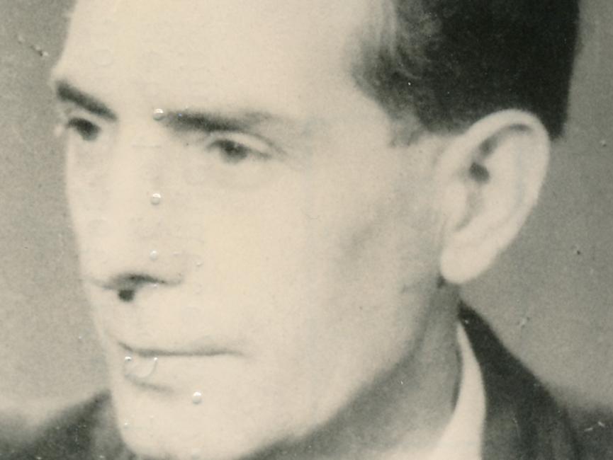 Schwarz-Weiß-Aufnahme von Josef Settnik (Portrait)