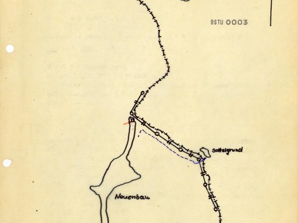 Eine detaillierte Karte des MfS skizziert den 'Grenzdurchbruch' zwischen dem thüringischen Neuenbau (damaliger DDR-Bezirk Suhl) und dem bayrischen Sattelgrund (Regierungsbezirk Oberfranken)