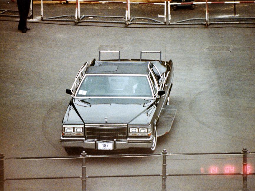 Stasi-Überwachungsfotos der Rede von Ronald Reagan vor dem Brandenburger Tor